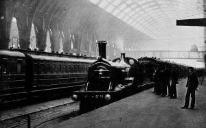 Great Northern Railway locomotive at King's Cross, 1910 (G F Bird via Wikimedia)