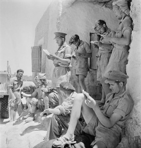Unnamed members of the Long Range Desert Group in north Africa, by Cecil Beaton (wikimedia)